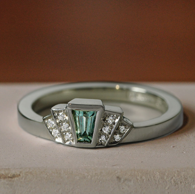 22297-white-gold-green-sapphire-and-diamond-art-deco-inspired-engagement-ring_9.jpg