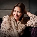 Lisa Snowdon wearing a Fairtrade pendant by Harriet Kelsall