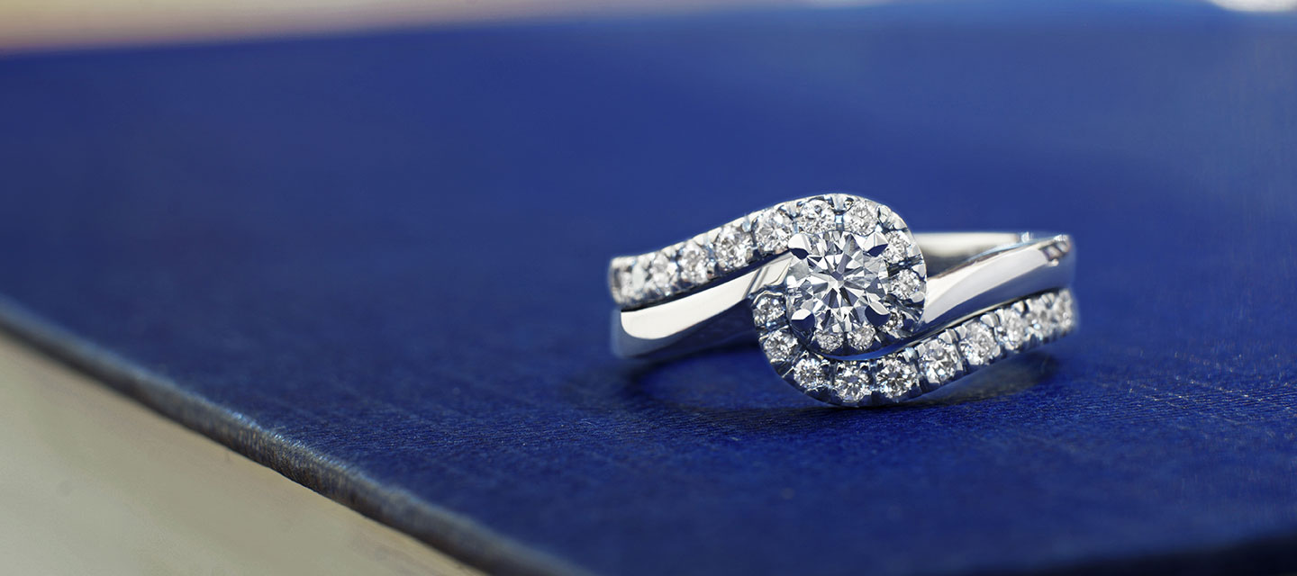 the differences between engagement rings and wedding rings - Difference Between Engagement Ring And Wedding Ring